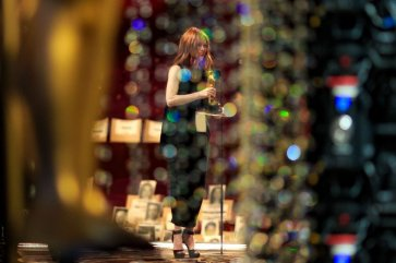 Juliane Moore sta per proclamare Leonardo DiCaprio vincitore